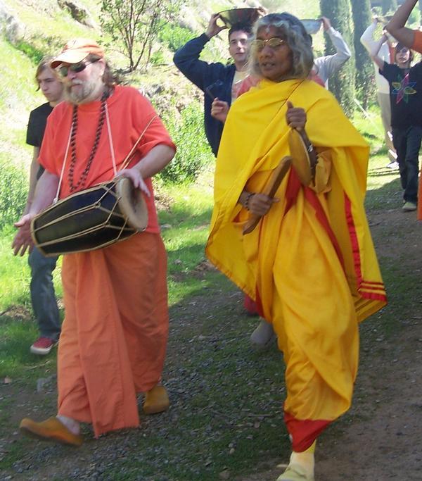 maa and swamiji jammin