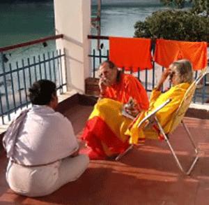 Maa-Swamiji-Consultation