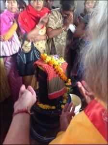 Puja at Shiva Lingam, Dakshineswar
