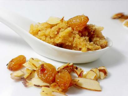 Semolina-Halva-with-Golden-Raisins
