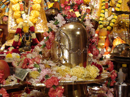 Shiva-Puja-3-450x338