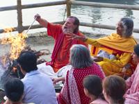 Shree Maa & Swamiji 06 200x150px -80kb