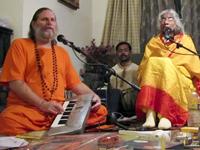 Shree Maa & Swamiji 10 200x150px -80kb