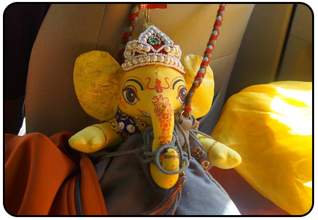 shree-maa-traveling-with-ganesh