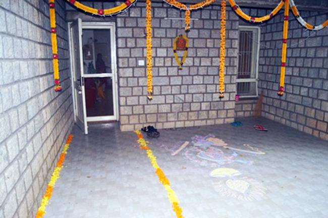 srini-ramya-home-entrance1