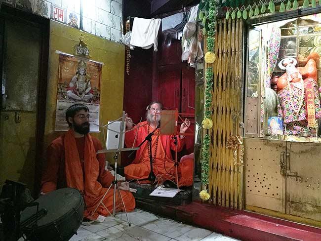 Swamiji-adaitya-nyasa-Yamunotri