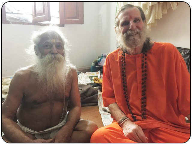 Swamiji-and-Bhagavan-friends