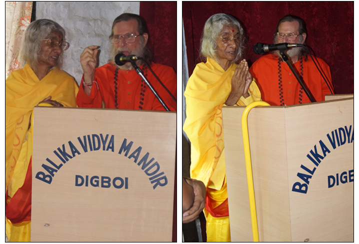 maa-and-swamiji-talk-to-digboi-girls