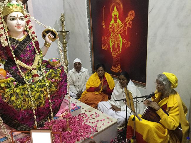 maa-singing-to-lakshmi-nilgiri-hills