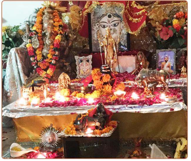 maa's-altar-delhi