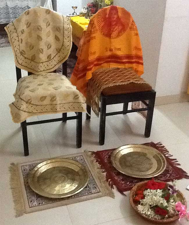 puja-chairs