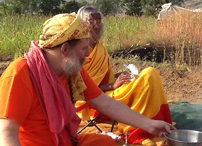shree-Maa-and-Swamiji,-Bhoomi-Shuddhi
