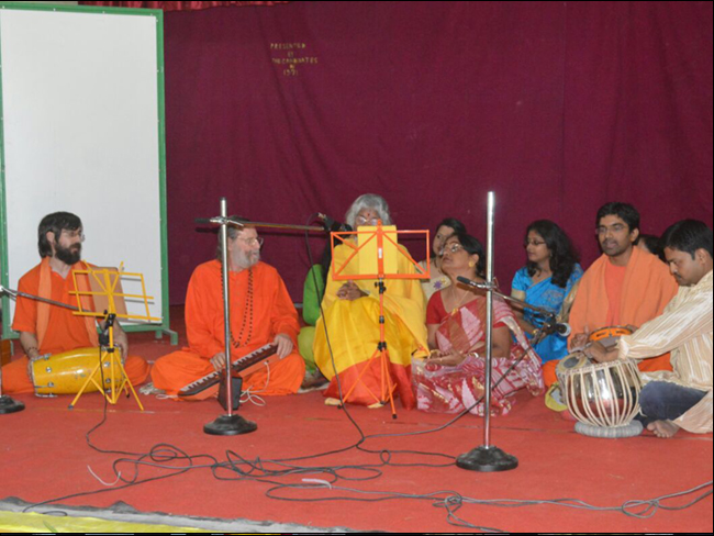 shree-maa-sings-at-digboi-school