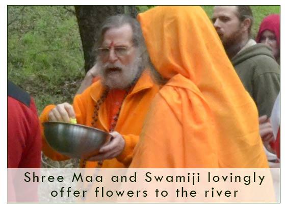 swamiji-flowers-river-1