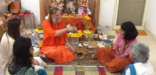 swamiji-meeting-with-business
