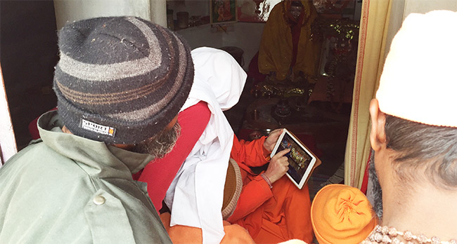 swamiji_showing_mandir