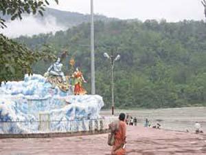 trivena ghat in Rishikesh 300